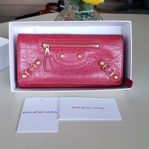 ❤❤❤Authentic balenciaga bifold long wallet❤❤❤